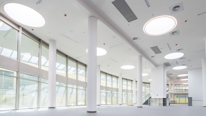 LAMILUX Rooflight | Business School Russia
